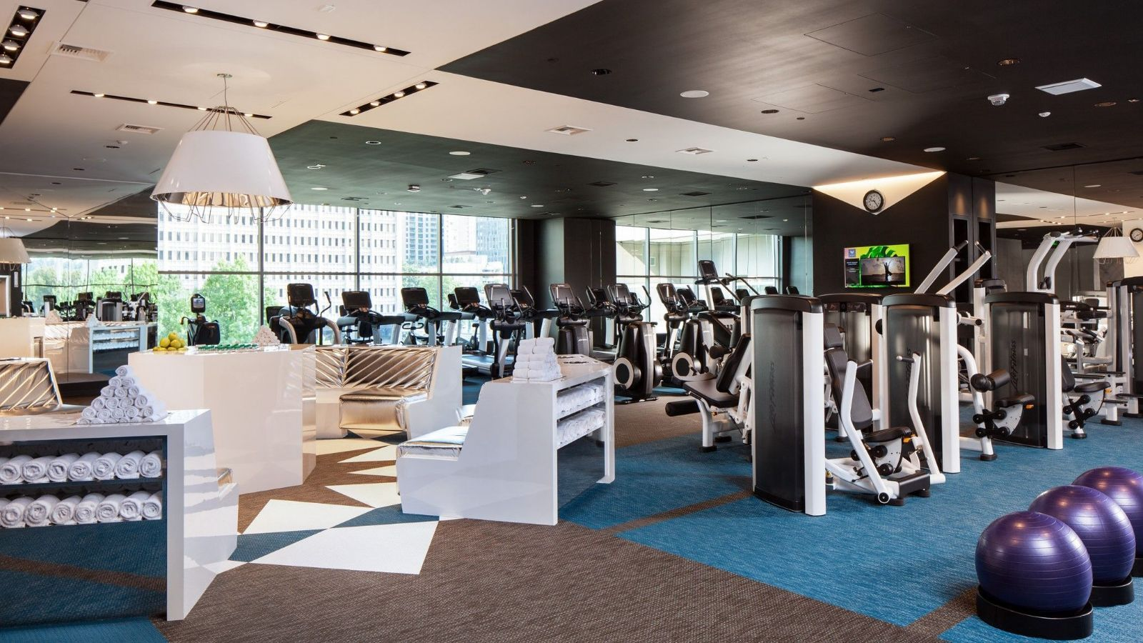 Downtown Bellevue Hotel Features - FIT